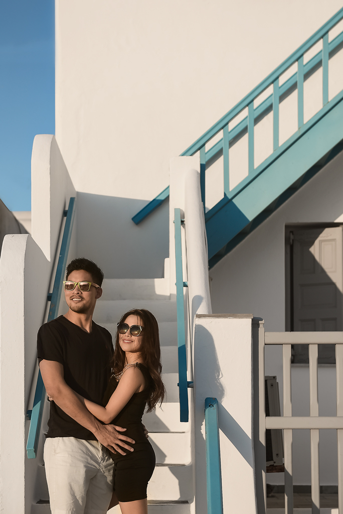 Mykonos island minimal couple shooting